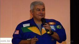Astronauta brasileiro Marcos Pontes dá palestra em Juazeiro do Norte