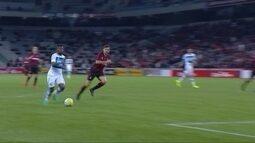 Confira o gol de Bolaños que deu a vitória do Grêmio sobre o Atlético-PR