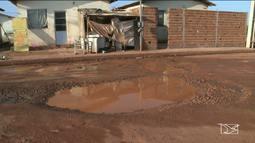Moradores em São Luís reclamam de condições do bairro