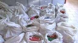 Famílias recebem alimentos arrecadados durante o Estimacão em Araçatuba