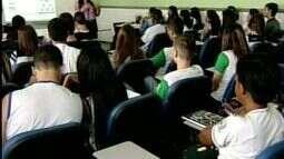 Estudantes tem aulas intensivas para o Enem em Colatina, Noroeste do ES