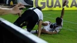 Vasco é derrotado pelo Vila Nova, em casa, mas segue no topo da tabela da Série B