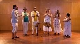 Grupo Casa Voz usa o corpo para reproduzir sons de instrumentos