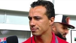 Leandro Damião agradece o apoio da torcida no jogo contra Figueirense