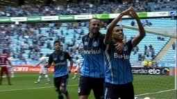 O gol de Grêmio 1 x 0 Chapecoense pela 27ª rodada do Campeonato Brasileiro