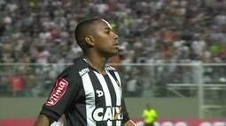 """Jornalistas elogiam Robinho: """" Inteligente, faz gols e prepara as jogadas"""""""