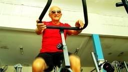 Aos 84 anos, idoso frequenta academia de segunda a sexta-feira