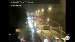 Rio tem trânsito complicado em alguns pontos da cidade na noite de sexta-feira (30)