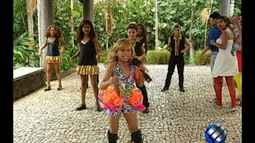 Joelma Kids canta e dança no É do Pará