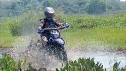 Trilheiros fazem desafio off-road pelo Pantanal em Corumbá