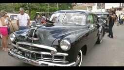 4º Encontro de Carros Antigos acontece em Governador Valadares