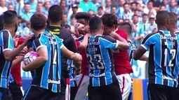 Confusões no jogo entre Grêmio e Internacional pela 32ª rodada do Brasileirão