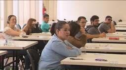 Milhares de estudantes concorrem aos vestibulares da UFPR e da UEL