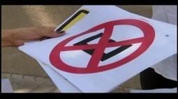 Motoristas de Divinópolis têm dificuldade em identificar placas de trânsito