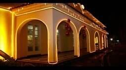 Luzes de Natal já tradicionais na Aperam, em Timóteo, são inauguradas