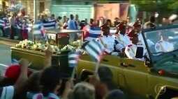 Cinzas do ditador cubano Fidel Castro foram enterradas neste domingo (4)