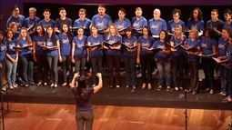 Alunos da Apae ensaiam para a segunda noite do Canto Coral da TV Anhanguera