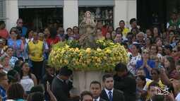 Devotos ser reúnem para celebrar o dia de Nossa Senhora da Conceição em São Luís