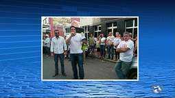 Moradores protestaram contra os aumentos salariais dos vereadores em Surubim, no Agreste
