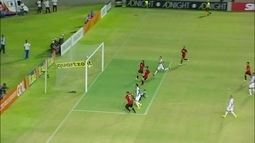 Gol do Sport! Diego Souza bate cruzado e amplia, aos 44 do 2º tempo
