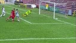 Ceará chega ao ataque novamente e Luiz Felipe faz duas grandes defesas aos 19 do 1º tempo