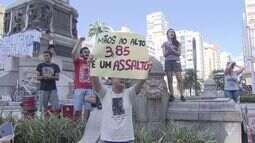 Moradores protestam contra o aumento nas tarifas de ônibus em Santos