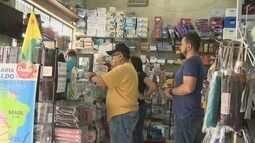 Pais vão às compras dos materiais escolares e movimentam papelarias em Rio Branco