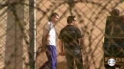 Vereadores presos tomam posse em Foz do Iguaçu