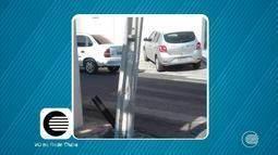 VC na Rede Clube: internauta flagra poste com base quebrada no Centro de Teresina