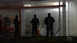 Criminosos explodem caixa eletrônico em banco de Aparecida de Goiânia