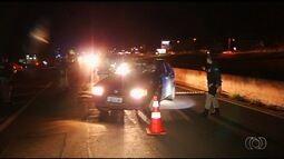 PRF multa mais de 40 motoristas bêbados na BR-452, em Rio Verde