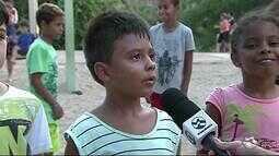 Crianças aproveitam férias para brincar nos parques de Caruaru