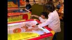 Férias escolares estão acabando e crianças fazem a festa com jogos tecnológicos