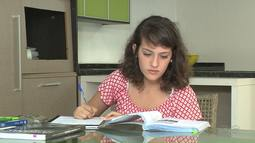 """O quadro """"Feras da Educação"""" mostra a estudante de 17 anos destaque do Enem"""