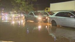 Moradores têm transtornos após forte temporal em Porto Velho