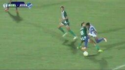 Rainy Mikaela mostra arrancada do meio de campo em jogo pela Copa do Brasil