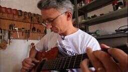 Luthier de Brejo Santo aprendeu a fabricar violões sozinho