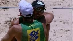 Hevaldo/Oscar 2 a 1 Pedro/Guto pelo Circuito Brasileiro de vôlei de praia
