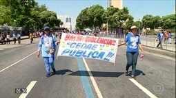 Manifestantes protestam contra privatização da Cedae