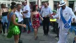 Banda da Rua do Mercado reúne foliões no Centro do Rio de Janeiro