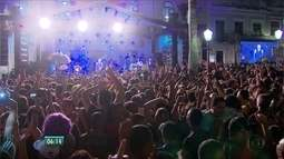 Abertura do carnaval de Olinda reúne centenas de foliões no Sítio Histórico