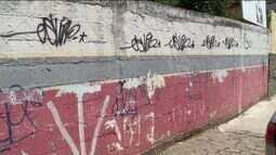Pichações acontecem em casas e prédios públicos de Cachoeiro, no Sul do ES