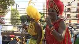 Irreverência das Muquiranas toma conta do sábado (24) de carnaval em Salvador