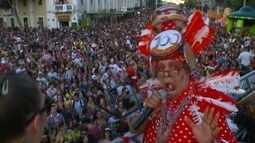 Blocos de rua animam uma multidão no Carnaval de Caxias do Sul, RS