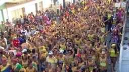 Bloco da Girafa arrasta foliões em Vitória de Santo Antão