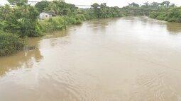 Nível do Rio Jamari preocupa famílias de Ariquemes