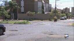 'Até Quando?' cobra conserto de buracos no Residencial Flórida em Ribeirão Preto, SP