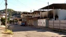 Incêndio em Timóteo destrói parte da estrutura de uma casa