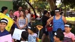 Moradores fazem protesto pedindo ampliação de Cmei em Goiânia