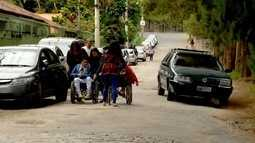 Cadeirantes reclamam do acesso a Apae de Nova Friburgo, no RJ
